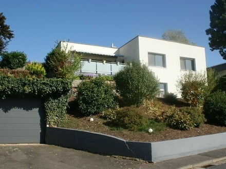 Sie haben Ihr Traumhaus gefunden ... Top modernisiertes Einfamilienhaus mit tollem Garten!
