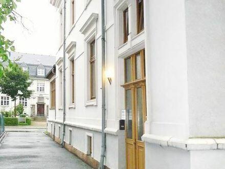 Schöne 2-Raum-Dachgeschoss-Wohnung mit offener Küche
