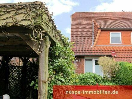Hervorragend aufgeteilte Doppelhaushälfte mit Carport in beliebter Wohnlage in Flensburg