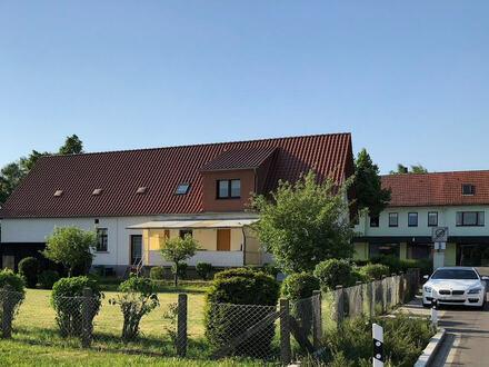 Großes Wohnhaus mit Geschäftsräumen und Garage in praktischer Lage von Löhne-Ostscheid!