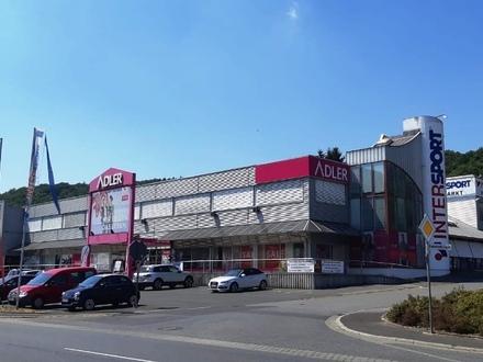 Riesige Gewerbeflächen im Mömlinger Einzelhandelszentrum