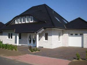 exkl. Neubau-Walmdachvilla