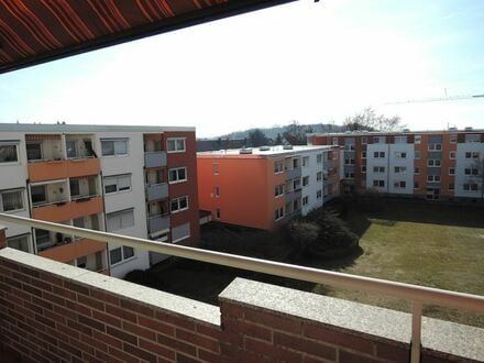 SOFORT freie 3 Zimmer 8 4 qm + tolle Aussicht vom SONNEN- BALKON auf die Grünanlage mit LIFT