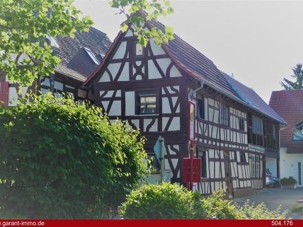 Wohnen im alten Fachwerk beim Kirchplatz mit separatem Zugang....