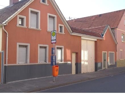 Für alle, die noch etwas vorhaben:Älteres Gebäudeensemble m. Hof und Garten-Ortskernlage Horchheim!