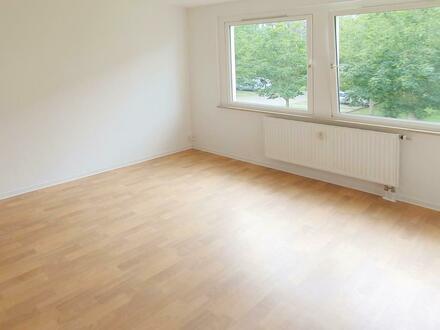 Große 4-Zimmer-Wohnung sucht neue Mieter! Jetzt 750 EUR Gutschein* sichern!