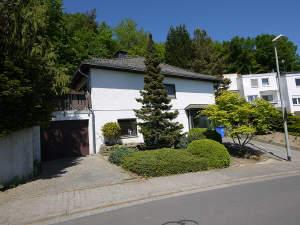 Wohnen mit Blick - 1-Fam.-Haus in Eppstein-Niederjosbach