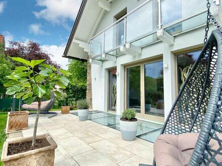 Klagenfurt - St. Martin: Charmantes Einfamilienhaus mit West-Garten, Doppelcarport in TOP Lage