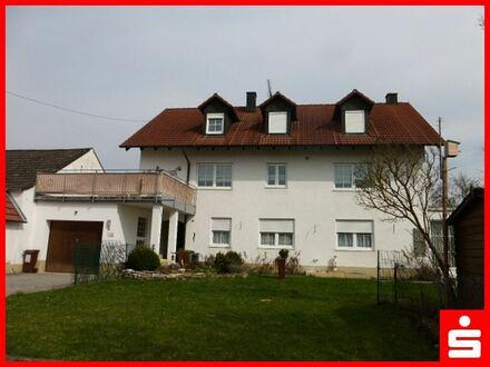 Zweifamilienhaus mit großem Garten