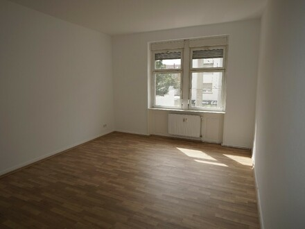 Sanierte 3 ZKB mit Balkon in MA-Rheinau