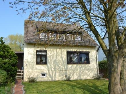 Lassen Sie sich verzaubern - Gepflegtes Einfamilienhaus mit besinnlichem Garten