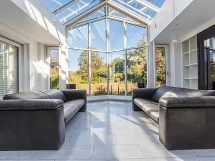 In dieser exquisiten Erdgeschosswohnung werden Wohnträume erfüllt!