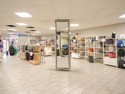 Einzelhandelsfläche in zentraler Lager mit großer Schaufensterfläche