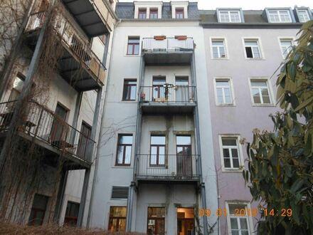 +++ Großzügig geschnittene 3-Zimmer-Wohnung direkt in der Neustadt +++
