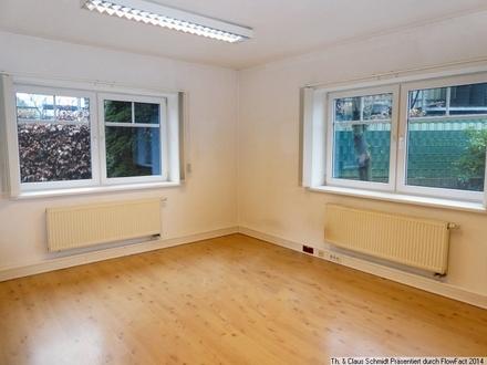 Büro-/Praxisräume in guter Lage von Rastede