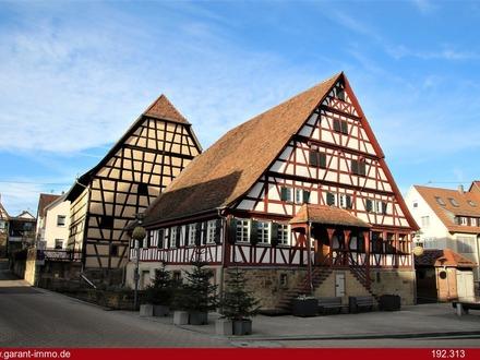 !!! Prägnantes Fachwerkgebäude mit Hofstelle !!!