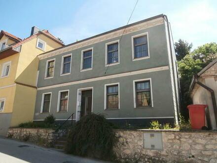 Großrußbach: Landhaus auf ruhigem Gartengrundstück
