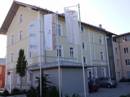 Repräsentatives, elegantes Büro im Ortszentrum von Bruckmühl - ideal auch als Praxis!