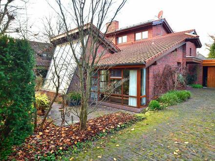 Wer das Besondere liebt! Architektonisch interessantes Wohnhaus in Bad Zwischenahn