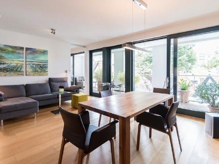Exklusiv Wohnen im Herzen der Stadt: Hochwertig möblierte 2-Zimmer-Wohnung mit traumhafter Loggia