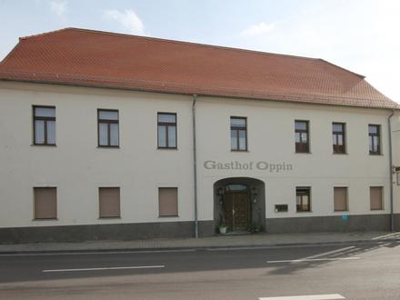 Gasthof, Werkstatt und Wohnungen mit Umbaupotential in Oppin