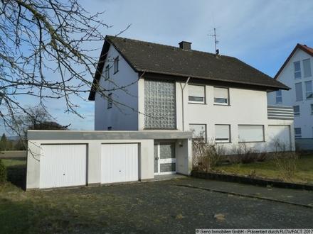 Zweifamilienhaus mit großem Grundstück am Ortsrand von Bielefeld-Brake