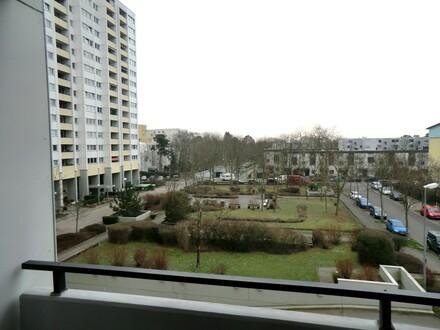 RB-Immobilien * Begehrte 3 Zimmer-Wohnung mit Balkon und TG-Stellplatz in Mainz-Gonsenheim