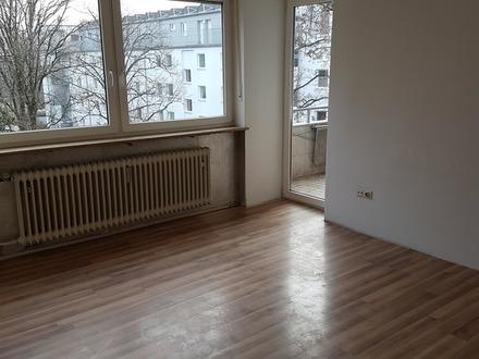 Schöne, sonnenverwöhnte Wohnung mit Südbalkon