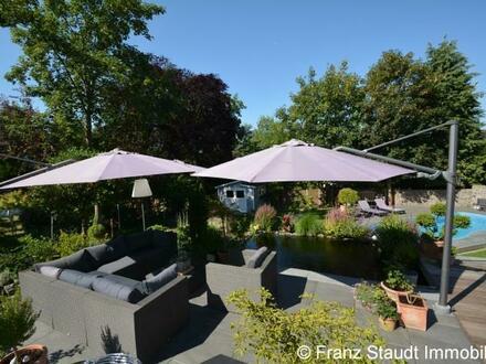 Moderne Villa mit Ausblick in bevorzugter Lage von Aschaffenburg Godelsberg