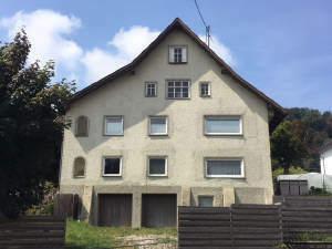 Renovierungsbedürftiges Haus in Ortsmitte von Ronsberg