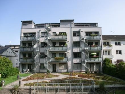 TOP-Lage: 2 ZKB mit Balkon und Tiefgaragenstellplatz