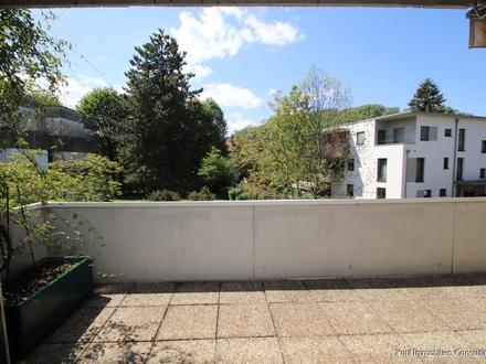 Schöne 2 Zimmer Wohnung mit großem Balkon - PARSCH TG-Platz möglich