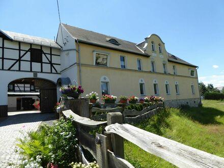 Großzügiger Bauernhof mit großer Scheune und mehreren Wohneinheiten sowie reichlich Ausbaupotential und vielfältigen Nutzungsmöglichkeiten