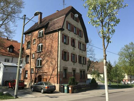 Günstig wohnen in Stuttgart-Feuerbach - Vierfamilienhaus mit Mehrwert