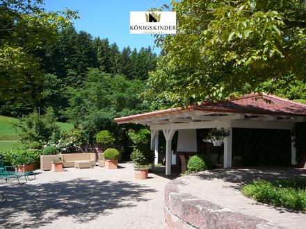 Exklusives Landhaus für die grosse Familie oder Mehrgenerationenwohnen mit bebaubaren Grundstücken