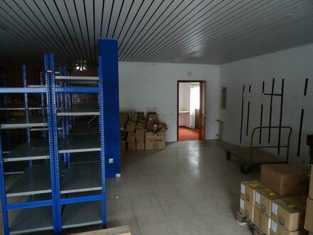 Lagerräume incl. PKW-Stellplatz