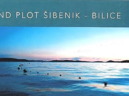 Baugrundstück Bilice bei Sibenik, geeignet für eine Wohn- oder Touristenanlage