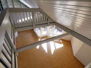 Lichtdurchflutete Maisonetten-Wohnung mit Charme