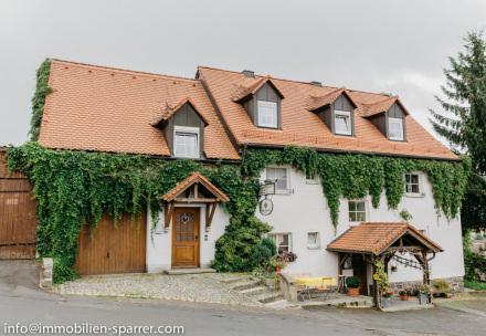 Mehrgenerationenhaus mit Ferienwohnungen in Mähring