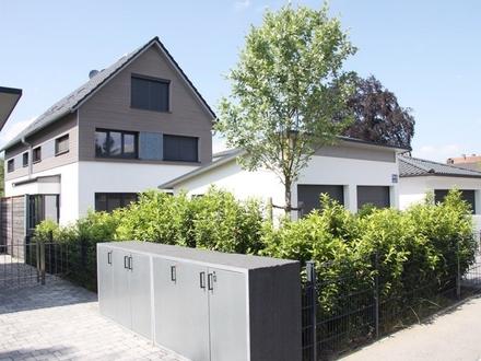 Exklusive und hochwertige DHH auf 3 Ebenen im Stadtteil Waldtrudering zum 01.09.2020!
