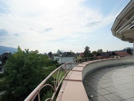 "JOSEFIAU - NÄHE SALZACH: ""Sunshine ready"" mit Penthouse-Glanz! Einliegerwohnung inklusive!"