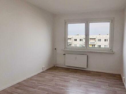 Frisch renovierte 4 Zimmer Wohnung, mit Balkon! - 750 EUR Gutschein*