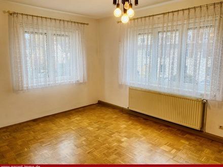 Ruhig aber sehr zentral: 3 Zimmer-Wohnung mit Südbalkon und Stellplatz