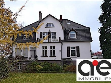 Das Haus für eine noble Lebensart- mit BAUGRUNDSTÜCK für ein MFH!