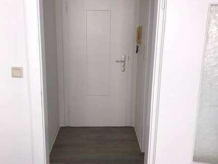 1 Zimmer Appartement teilrenoviert in der Neustadt