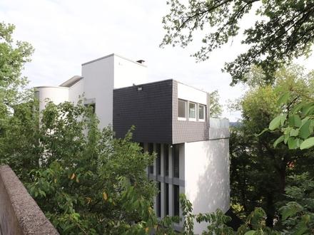 Moderne und helle Penthousewohnung zentral in Siegen!