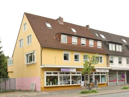 TT bietet an: Große Wohnung mit Wintergarten und Balkon in WHV-Nord!