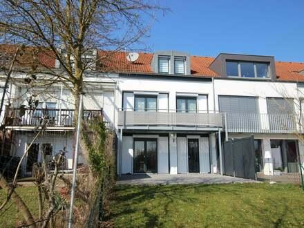 Modernes Reihenhaus in schöner Wohnlage mit Münsterblick am Ulmer Eselsberg