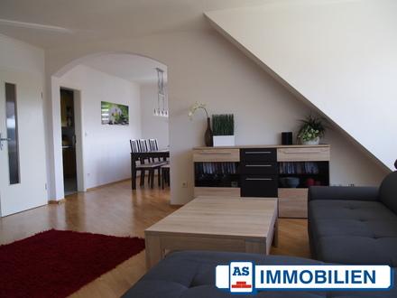 AS-Immobilien.com +++360 Grad Besichtigung!!!+++ Junges Wohnen am Schloss! 3 Zimmer DG mit Studio