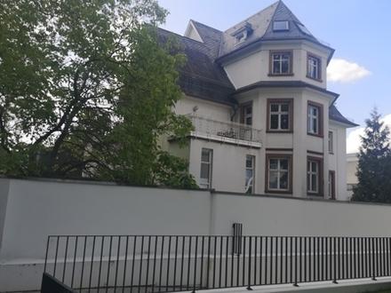 Exklusive 5-Zi.-Maisonetten-Wohnung in exklusiver Lage im Komponistenviertel